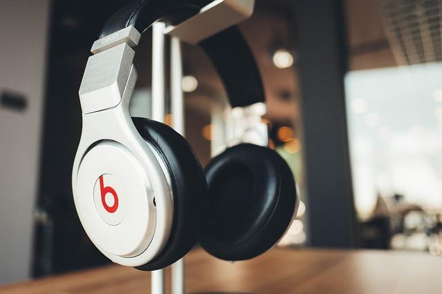 dengarkanlah-musik-dance-saat-bekerja