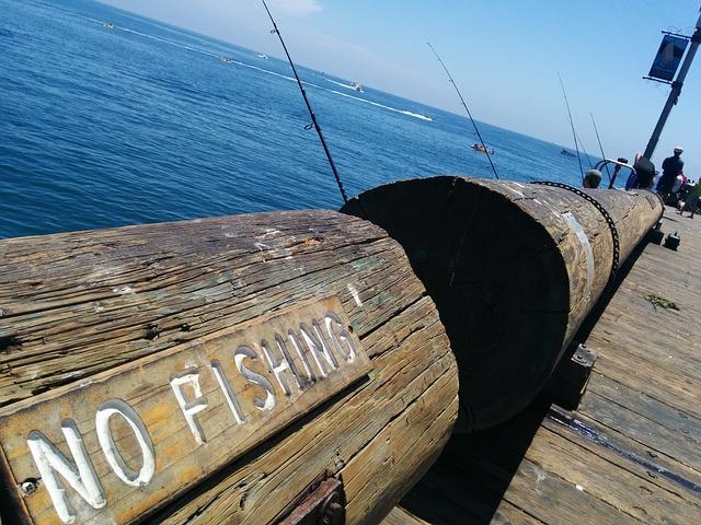 dock-408099_640